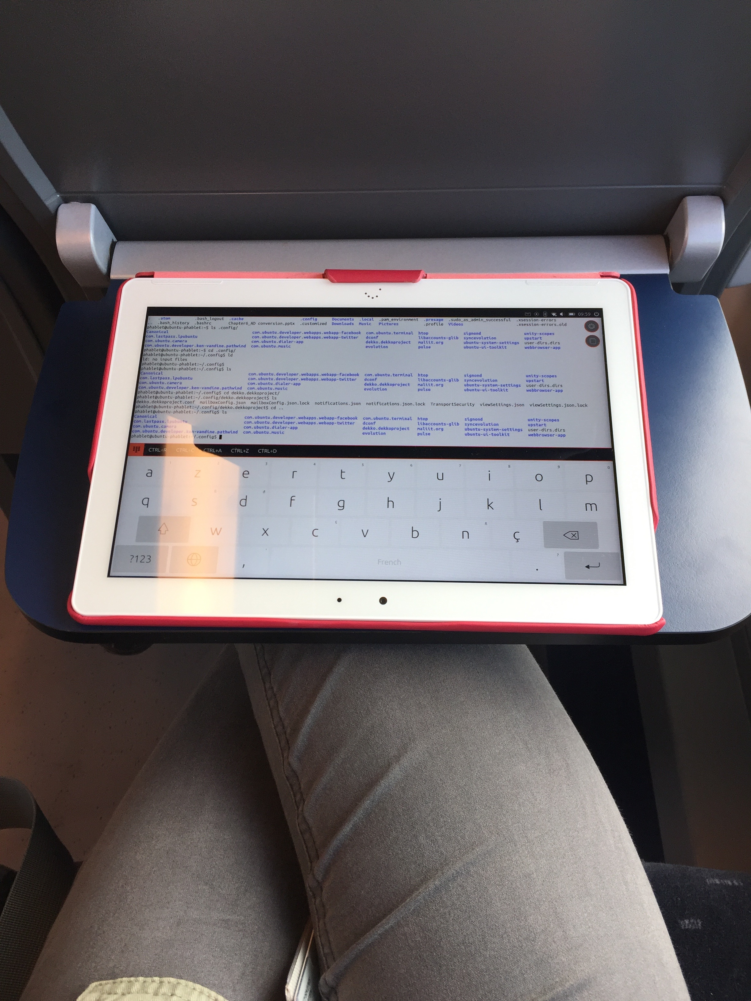 Tablet being used in a NMBS Siemens Desiro train